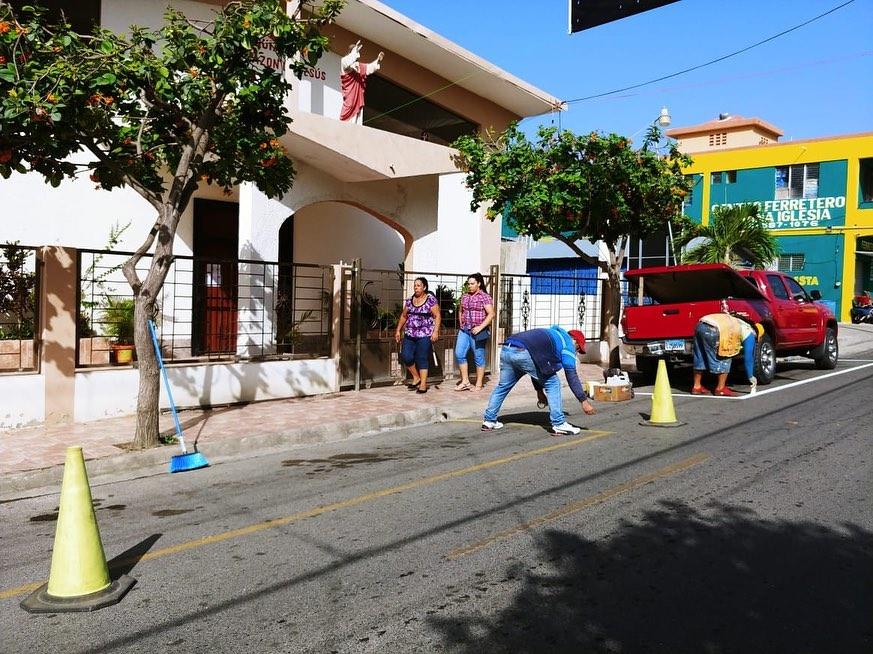 La alcaldía municipal lleva a cabo un proceso de señalización.